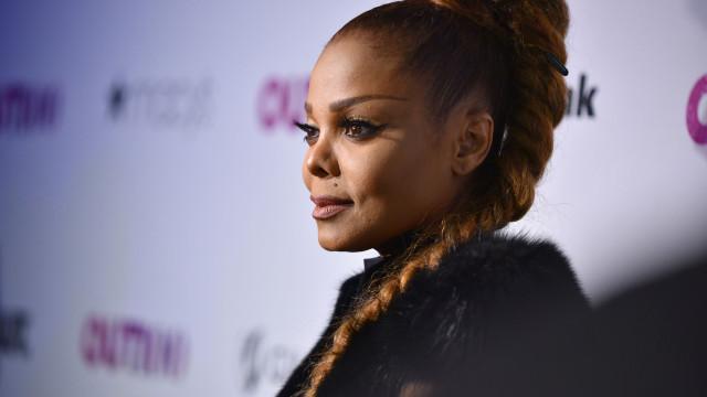 """Janet Jackson releva """"intensa"""" batalha contra depressão"""