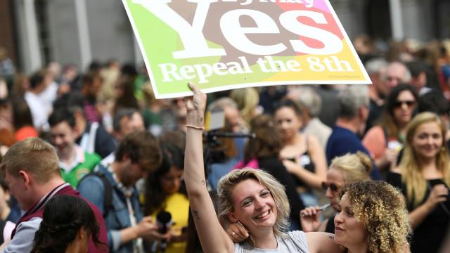 Irlanda diz sim à legalização do aborto com mais de 60% dos votos
