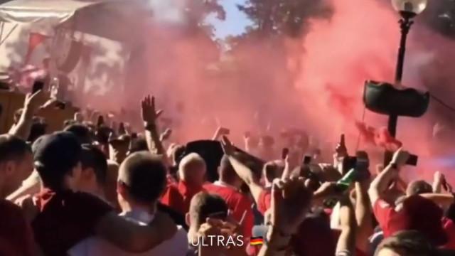 Adeptos do Liverpool fazem a festa antes da final de Kiev