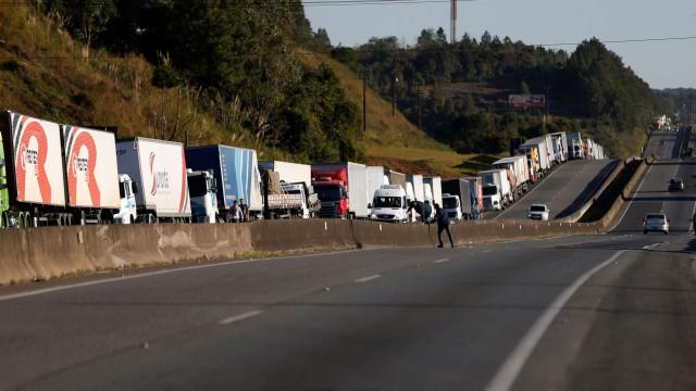 Governo do Brasil vai deter suspeitos de promoção de greve de camionistas