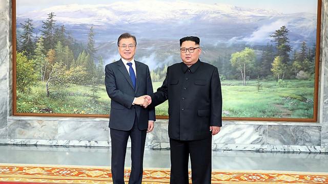 """Dirigentes da Coreia do Norte e do Sul querem reunir-se """"com frequência"""""""