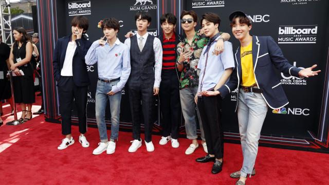 Inédito: Banda pop da Coreia do Sul lidera top de vendas nos EUA