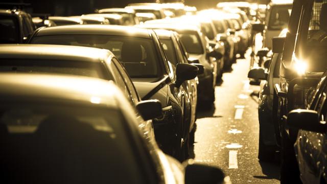 Quando tempo leva para que um carro aqueça e atinja temperaturas fatais?