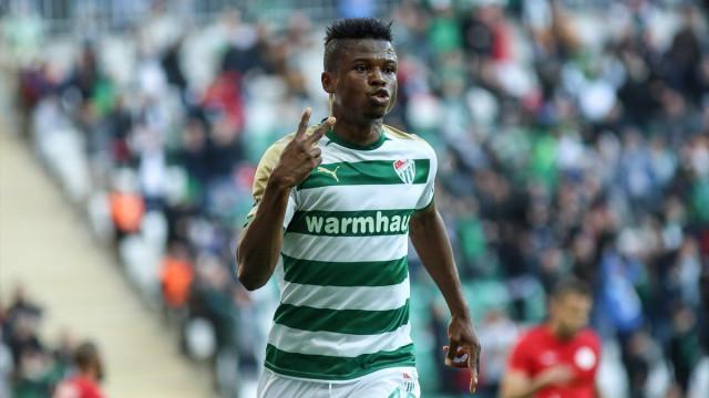 """""""Vou tentar a minha sorte no FC Porto ou noutro clube em Portugal"""""""