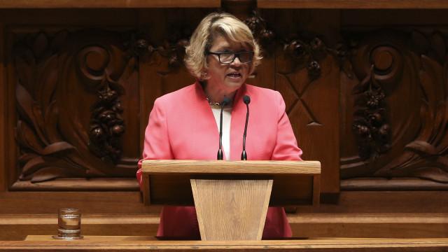 CDS pede audição urgente de bastonária dos farmacêuticos no parlamento