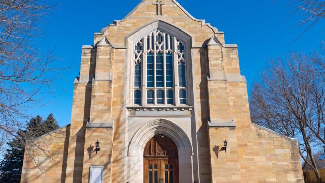 Relatório aponta 300 casos de sacerdotes abusadores sexuais nos EUA