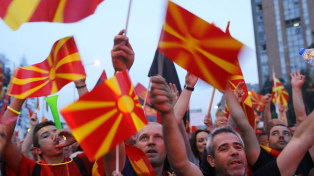 Após acordo com a Grécia, Macedónia já não se chama apenas Macedónia