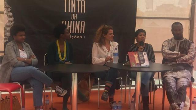 "Debate contra racismo na Feira do Livro marcado por ""performance racista"""