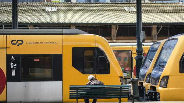 Usa comboio nas linhas de Sintra e da Azambuja? Atenção, há perturbações