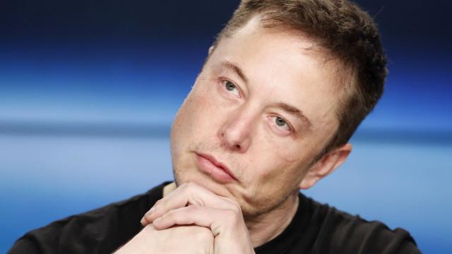 Musk anuncia despedimentos na Tesla