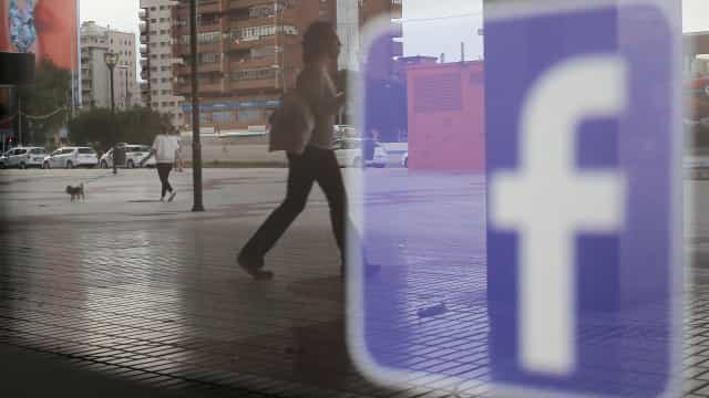 Facebook: Pode vir a ter de pagar para fazer parte de um grupo