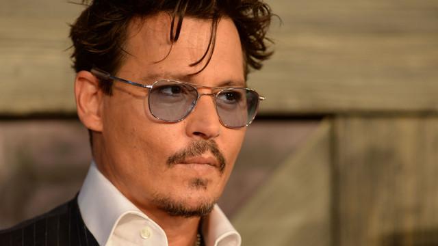 Acusado de agressão em filme, Johnny Depp alega legítima defesa