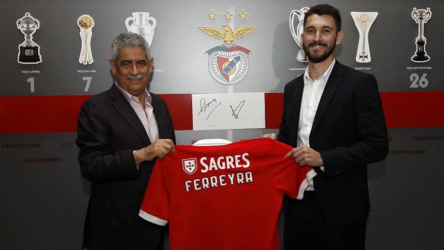 Benfica confirma a contratação de Facundo Ferreyra