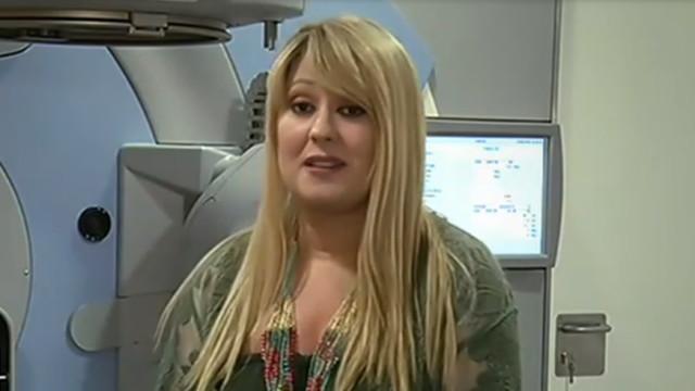 A lutar contra um cancro da mama, Rebeca mostra-se a fazer radioterapia