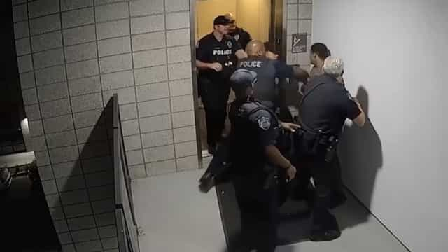 Polícias no Arizona agridem brutalmente homem