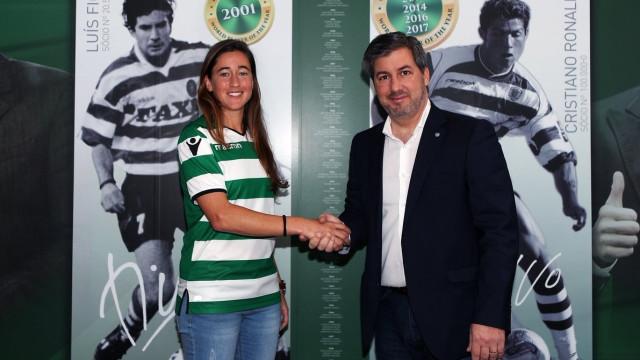 Sporting anuncia a contratação de Carolina Mendes