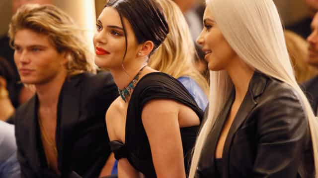 Kendall Jenner partilha nova selfie e recebe comparações com Kim
