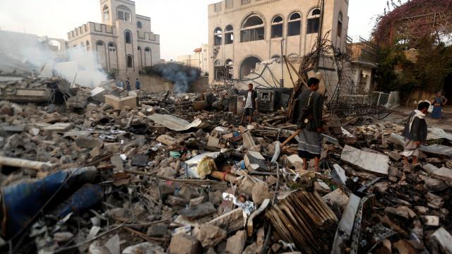 Ataque a porto no Iémen pode atingir centenas de milhares de pessoas