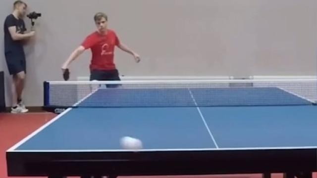 A jogada de ping-pong que está a deixar meio mundo incrédulo