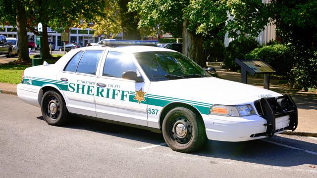 Adolescente detido após tentar violar mãe de amigo em dormida em sua casa
