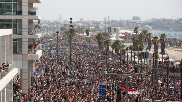 Mais de 250.000 pessoas participaram na Parada Orgulho Gay em Telavive