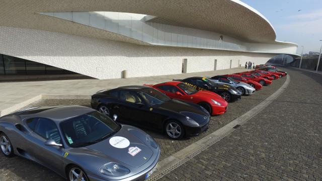 Maior desfile solidário de Ferraris invade ruas do Porto
