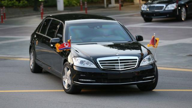 Kim Jong-un reúne-se com primeiro-ministro de Singapura