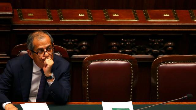 Itália não altera previsões económicas apesar das exigências da UE