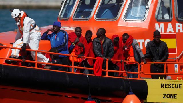 Espanha decide acolher barco com 629 migrantes