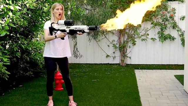 Mil pessoas já têm os lança-chamas de Elon Musk
