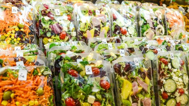 Comidas vegetarianas com vestígios de carne em supermercados britânicos