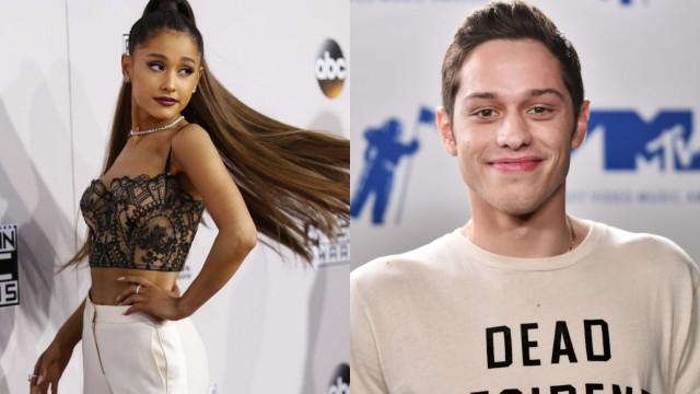 """Pete Davidson """"não se importa"""" com as críticas da ex-noiva Ariana Grande"""