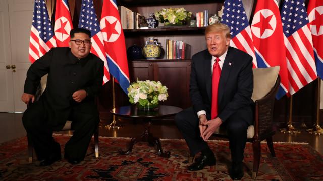 Conversações entre Kim e Trump prosseguem, agora durante a refeição
