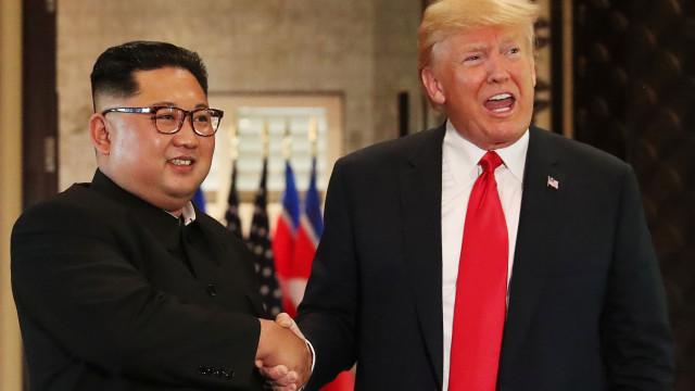 Trump diz que estão a decorrer negociações para reunir com Kim Jong-un