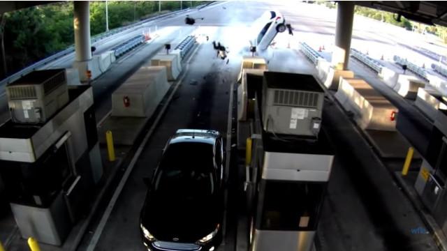 Homem sobrevive após ser cuspido de carro em acidente grave