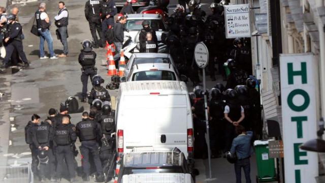 Paris: Sequestrador detido, reféns fora de perigo após três horas