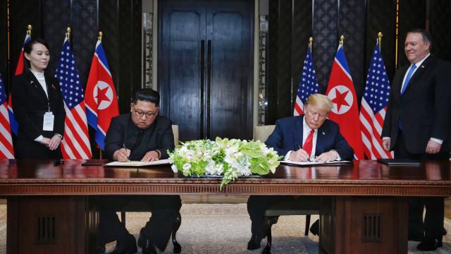 """Manobras militares com Coreia do Sul """"suspensas indefinidamente"""""""