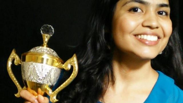 Jogadora de xadrez desiste de torneio no Irão por causa do uso de lenços