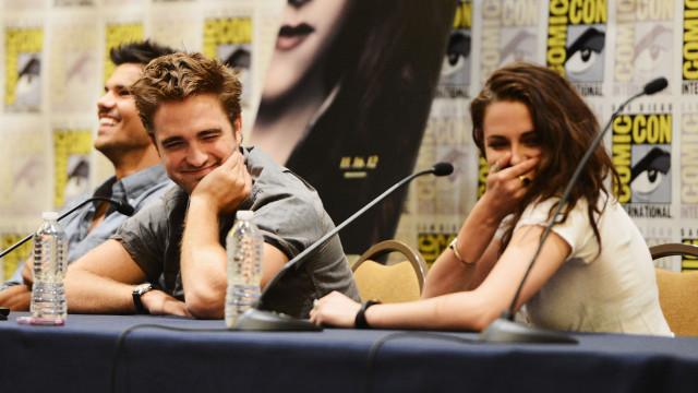 "Após reconciliação, Robert Pattinson elogia Kristen Stewart: ""É incrível"""