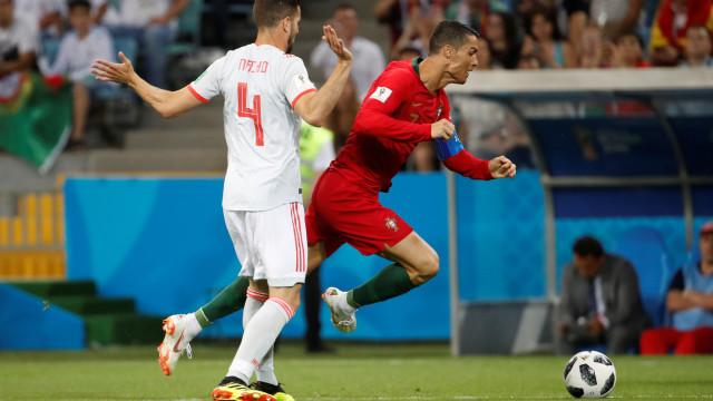 """Nacho diz que Portugal foi """"beneficiado"""": """"Eu não marcaria o penálti"""""""