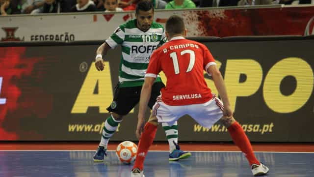 Sporting opera reviravolta frente ao Benfica e está em vantagem na final