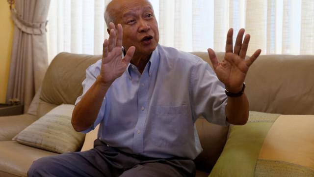 Príncipe do Cambodja ferido em acidente de carro que matou esposa