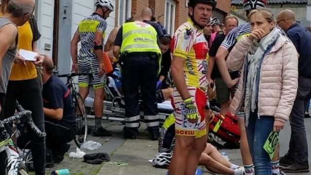 Veículo atropela ciclistas na Bélgica deixando vários feridos