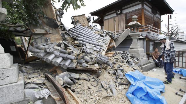 Sismo no Japão causa pelo menos três mortos e 91 feridos