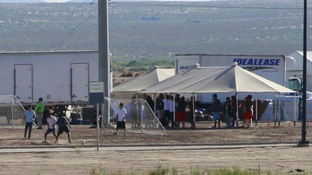 Milhares de pessoas pedem reunião de famílias de migrantes na Casa Branca