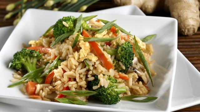 É assim que se cozinha arroz integral, não erre mais