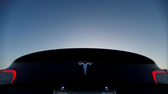 Tesla está a ser sabotada por um dos seus colaboradores, diz Musk