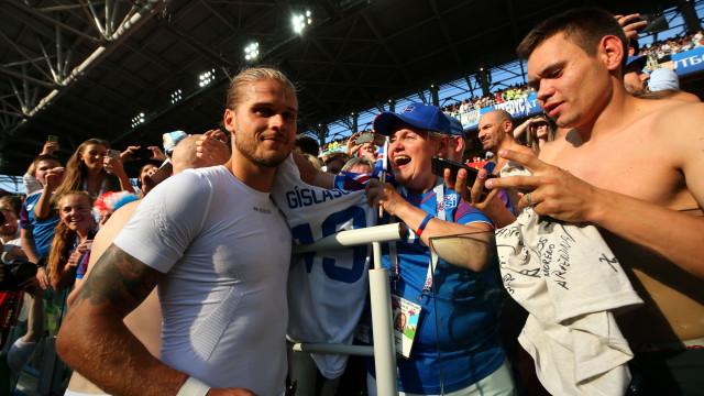 Trinta minutos de jogo 'renderam' 300 mil seguidores a jogador islandês