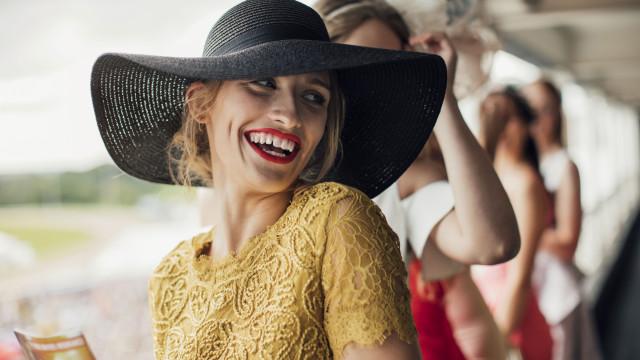 Leve um chapéu, participe num desfile e... usufrua de descontos