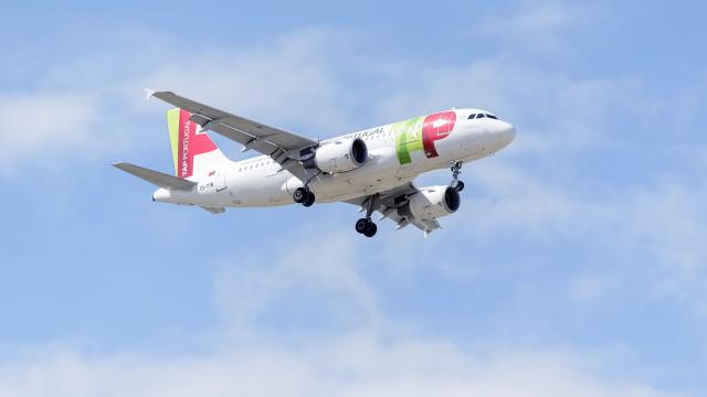 """Avião da TAP com """"problemas técnicos"""" aterra em segurança em Lisboa"""